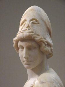 Kopf einer Statue von Athene