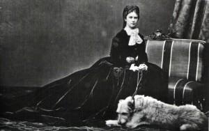 Kaiserin Elisabeth von Österreich mit ihrem Lieblingshund Shadow