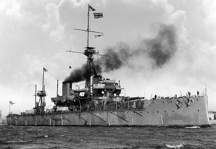 """""""HMS Dreadnought 1906"""" von not stated - US Navy Historical Center Photo # NH 63367, gemeinfrei"""