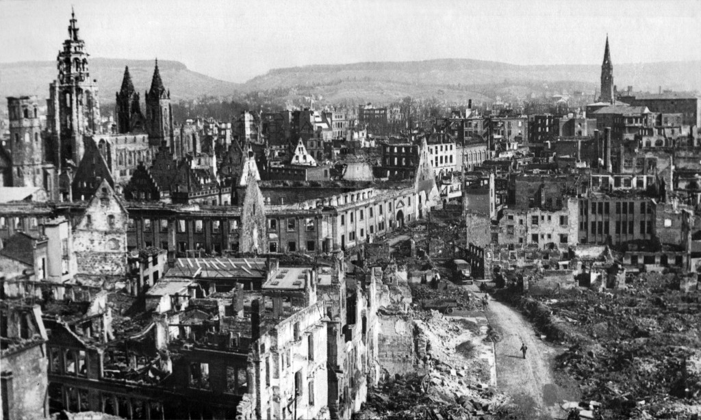 Nach Kriegsende, Heilbronn 1945 After the end of the war, 1945, By US Army, Public Domain