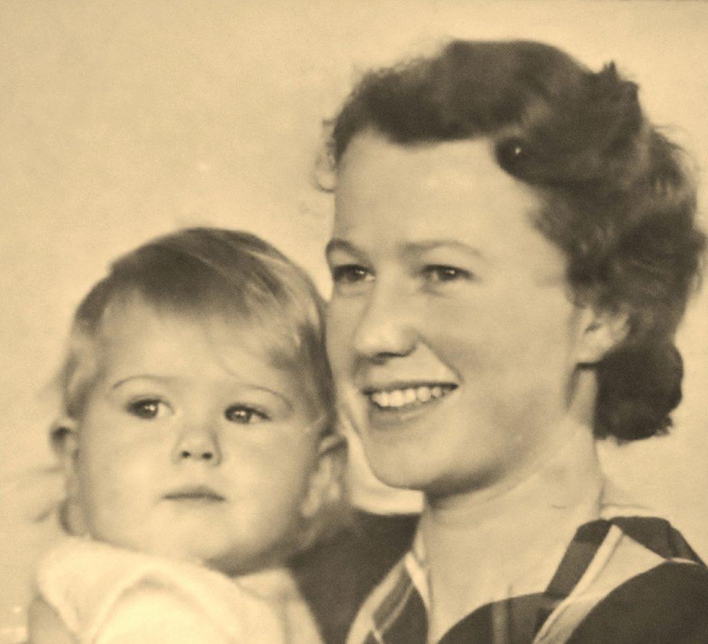 Das Einzelkind Mutter und kleine Tochter