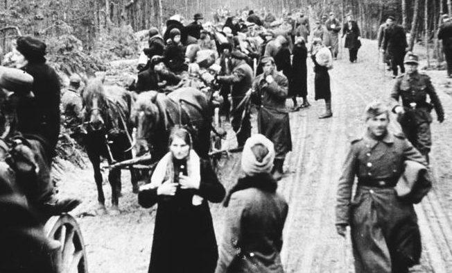 Flüchtlingtreck im Raum von Braunsberg (Ostpreußen), 1945
