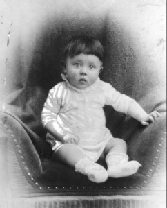 Adolf Hitler, Kinderbild. Bundesarchiv, Photographer unknown
