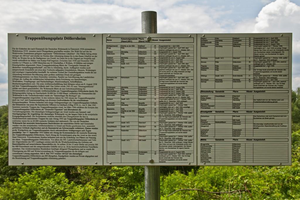 Hinweisschild über die Aussiedelung am Truppenübungsplatz Allentsteig. By Duke of W4 (Own work) CC BY-SA 3.0