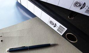 Unterlagen ordnen Agentur für Bildbiographien