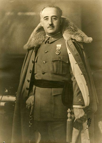General mit Fistelstimme: Francisco Franco, 1930. Gemeinfrei