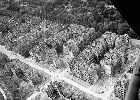 Hamburgs Stadtteil Eilbek nach dem Feuersturm am 28. Juli 1943