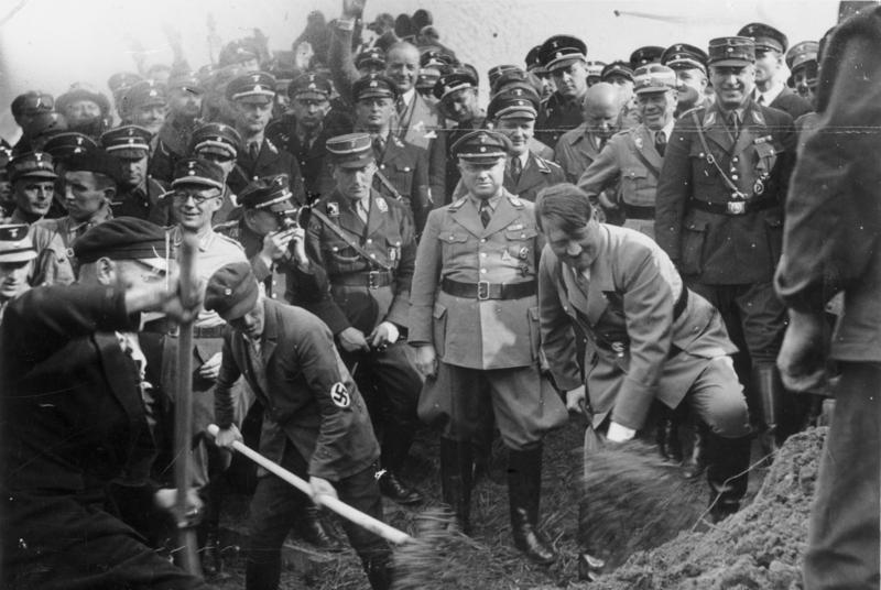 Autobahnbau und Mefo-Wechsel: Adolf Hitler, die deutsche Wirtschaft und der Weg in den 2. Weltkrieg - Generationengespräch